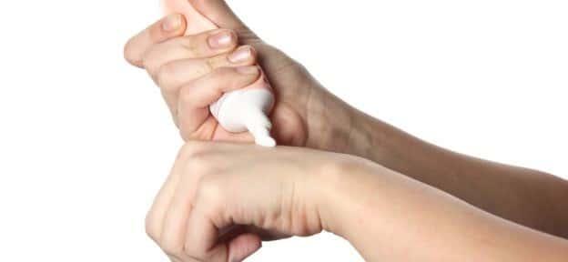 clobetasolo crema o unguento (clobesol)